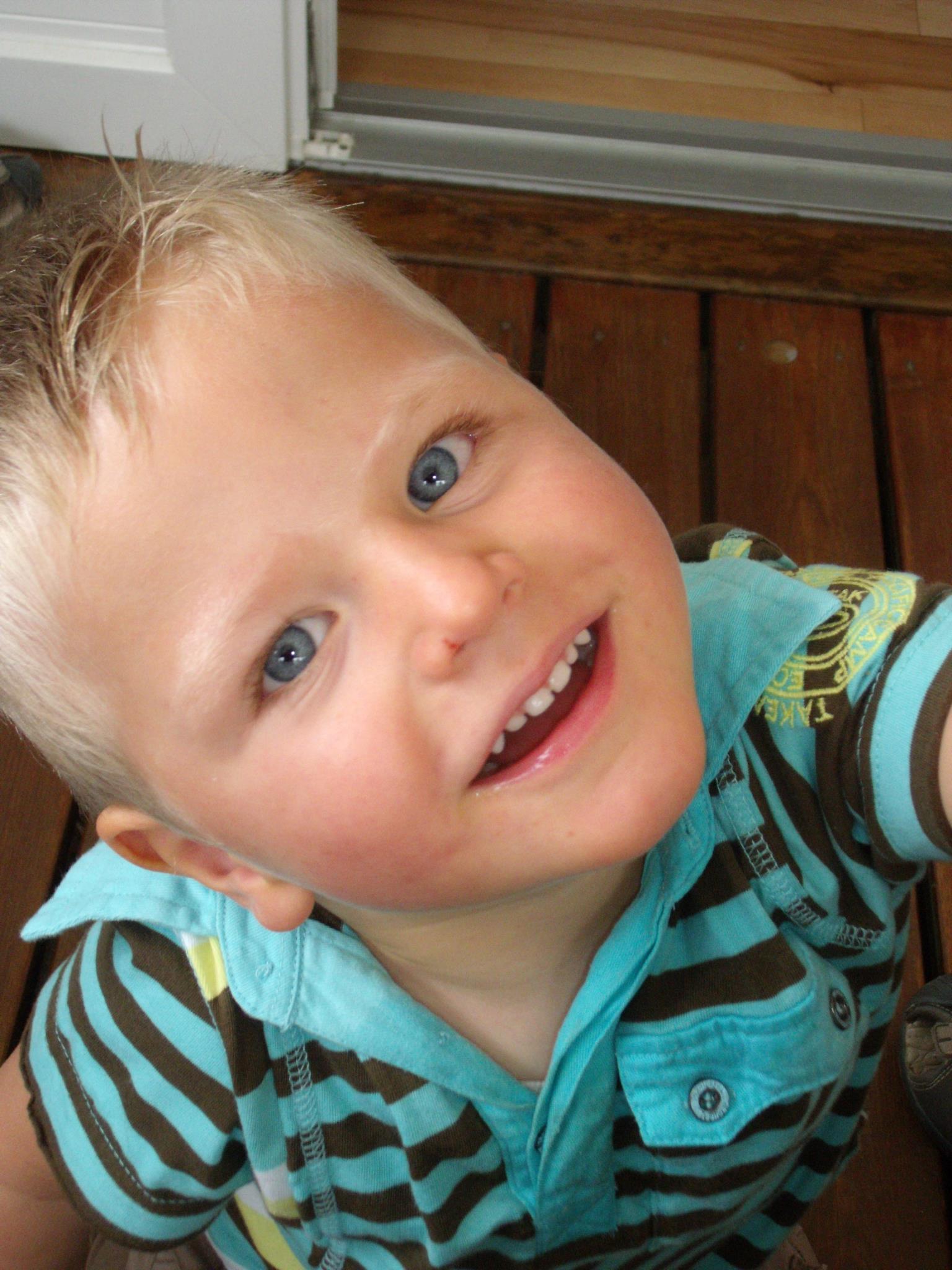 Bastien a été touché par Bastien, bientôt 3 ans, a été victime d'une méningo-encéphalite à streptocoque B