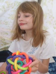 Alizée est touchée par le syndrome de Rett