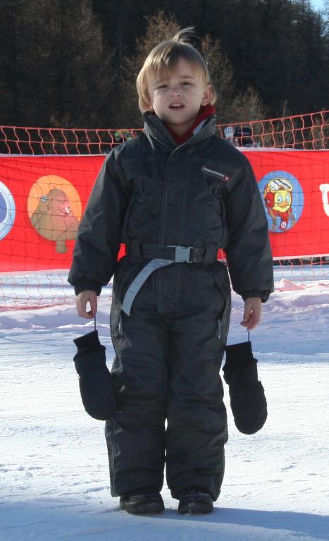 Hugo se régale au ski