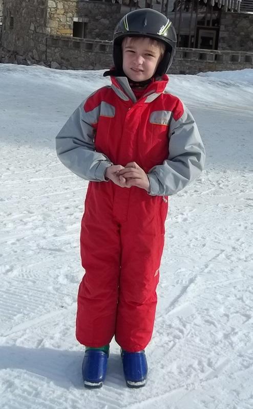 Hugo grandit et aime toujours autant faire du ski