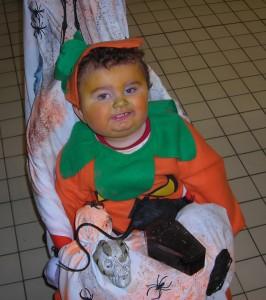 Lucas se déguise pour Halloween