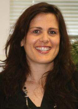 Alexandra est responsable du service relations clients