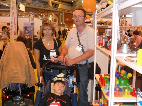 Jeune enfant handicapé au salon Autonomic 2010