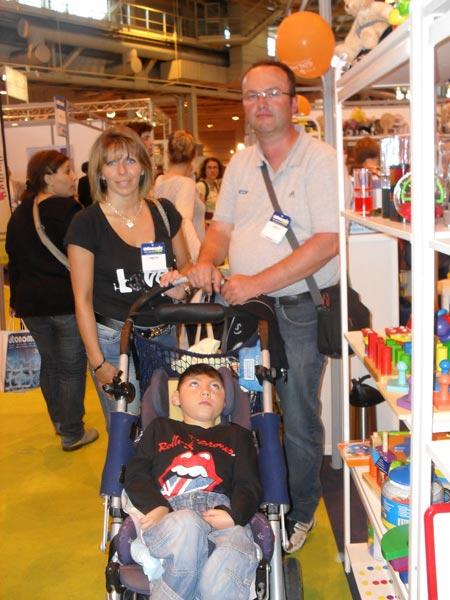 Jeune garçon handicapé au salon Autonomic 2010