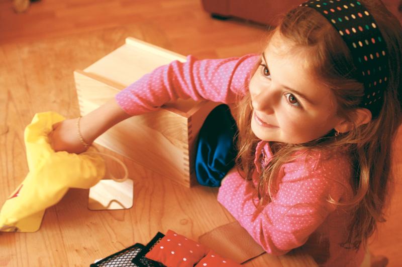 La boite à secrets et les touchers carrés -  Hop'Toys