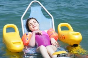Mélanie aime aller à la mer