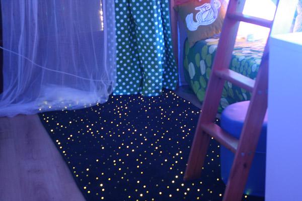 Blog hop 39 toys solutions pour enfants exceptionnels for Plafond lumineux fibre optique