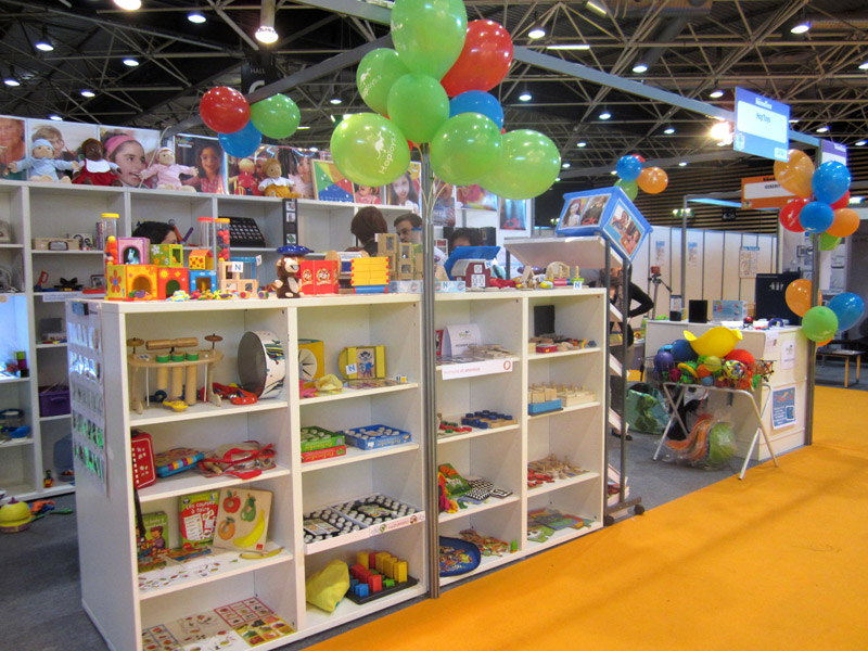 Stand-HopToys-4