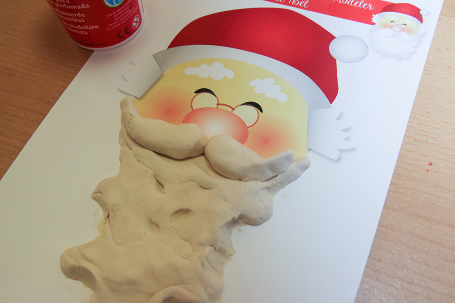 activité pâte à modeler père Noël