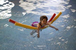 swimming-445102_960_720