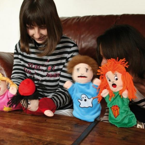 Inventer des histoires avec des marionnettes