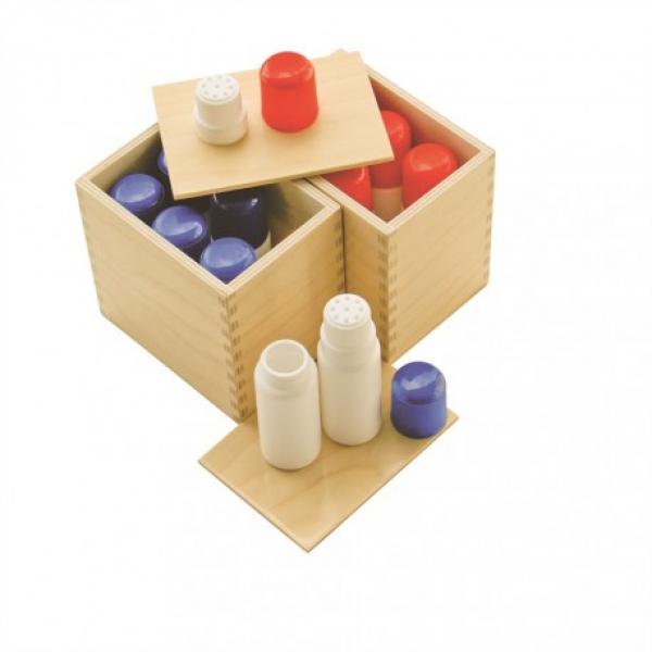 Les boites à odeurs Montessori