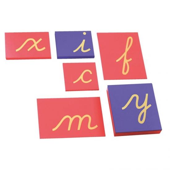 Lettres rugueuses manuscrites