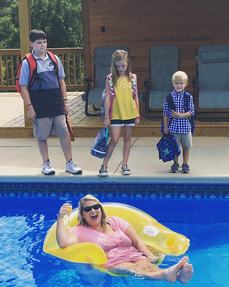 maman piscine rentrée scolaire