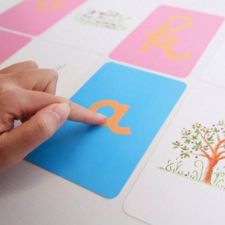 Coffret Montessori lettres rugueuses
