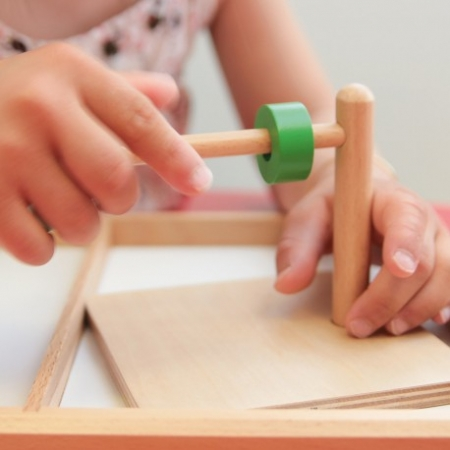 Station d'enfilage Montessori