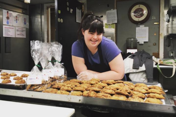 Collette, patissière, et ses cookies.