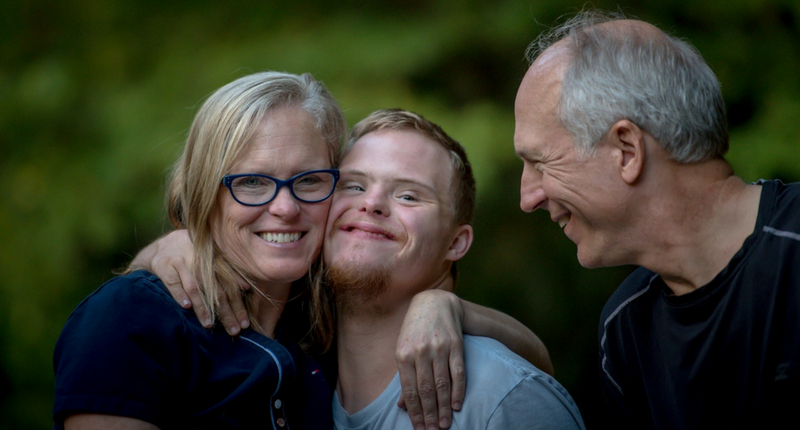 Un jeune handicapé est accompagné : empowerment