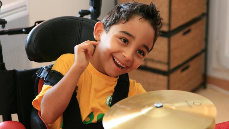niño con trastornos auditivos