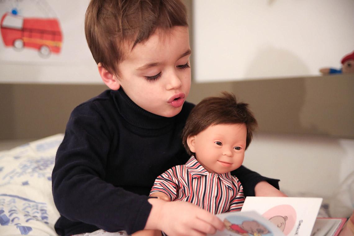 muñeco pablo con síndrome de Down