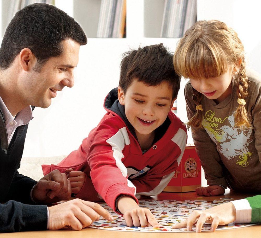 Faire un jeu en famille