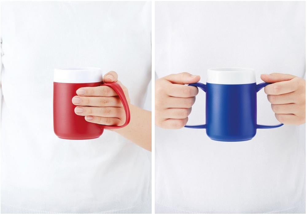 Des tasses adaptées pour une préhension facilitée