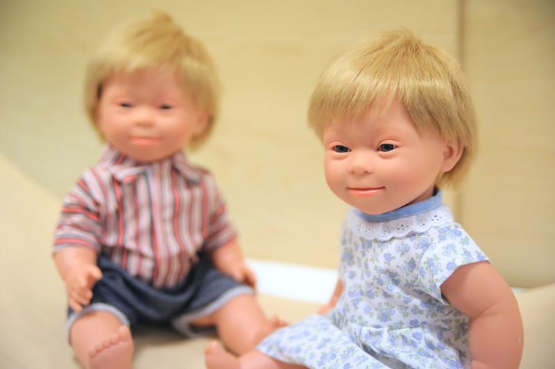 Des poupées pour sensibiliser à la trisomie 21