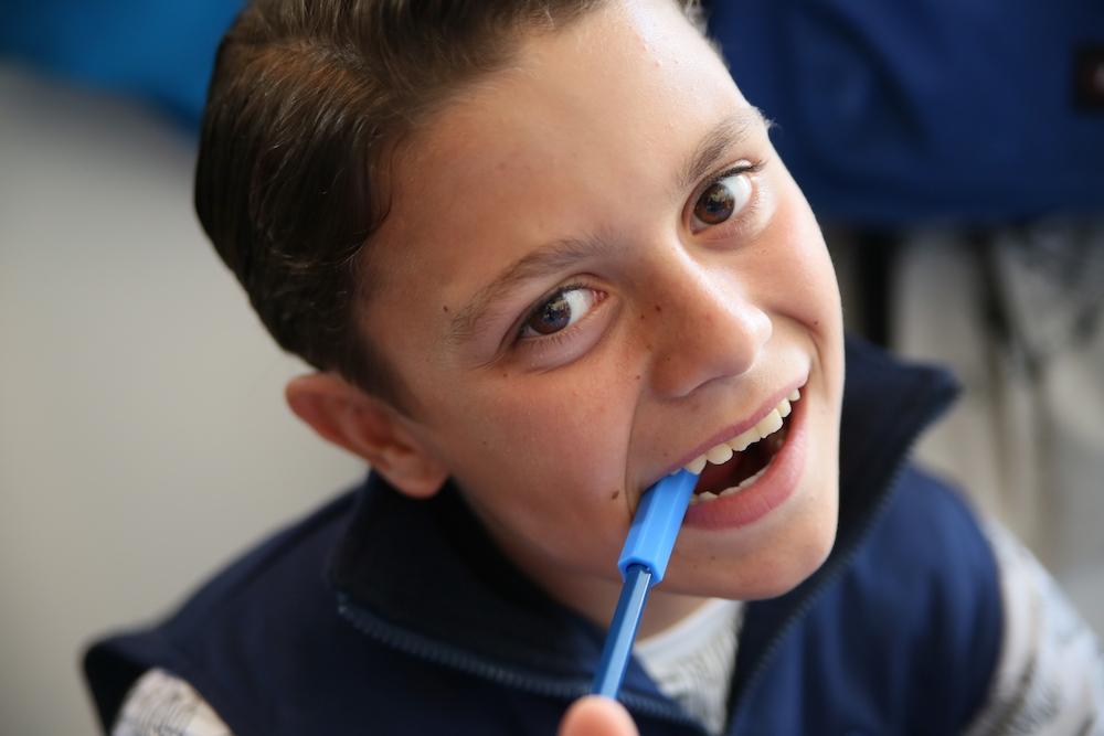 Enfant et troubles de l'oralité : Quels outils de mastication pour mâcher ?