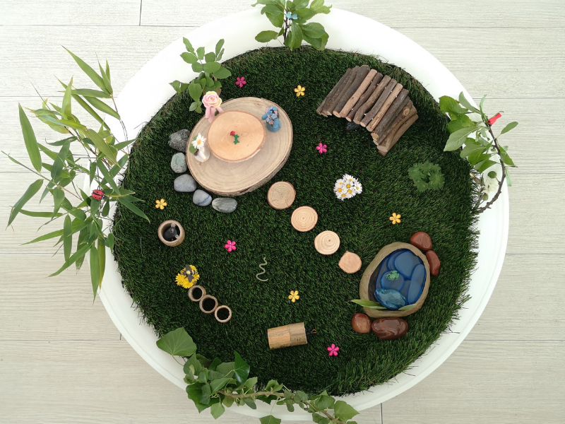 crear el mini mundo del jardín