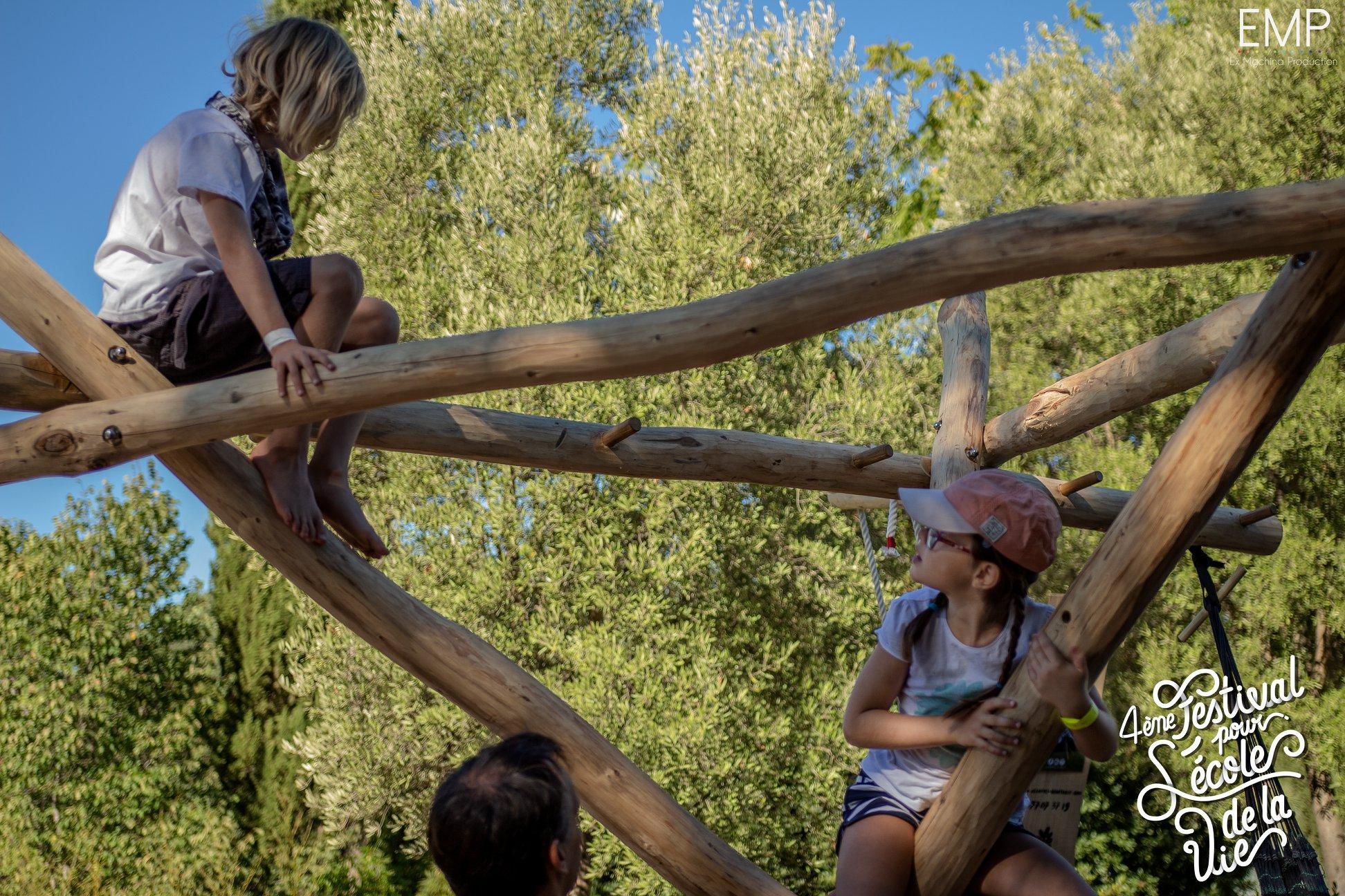 Hop'toys au festival pour l'école de la vie à Montpellier