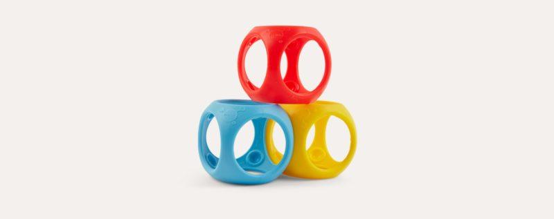 Le jeu Oibo en rouge, bleu et jaune