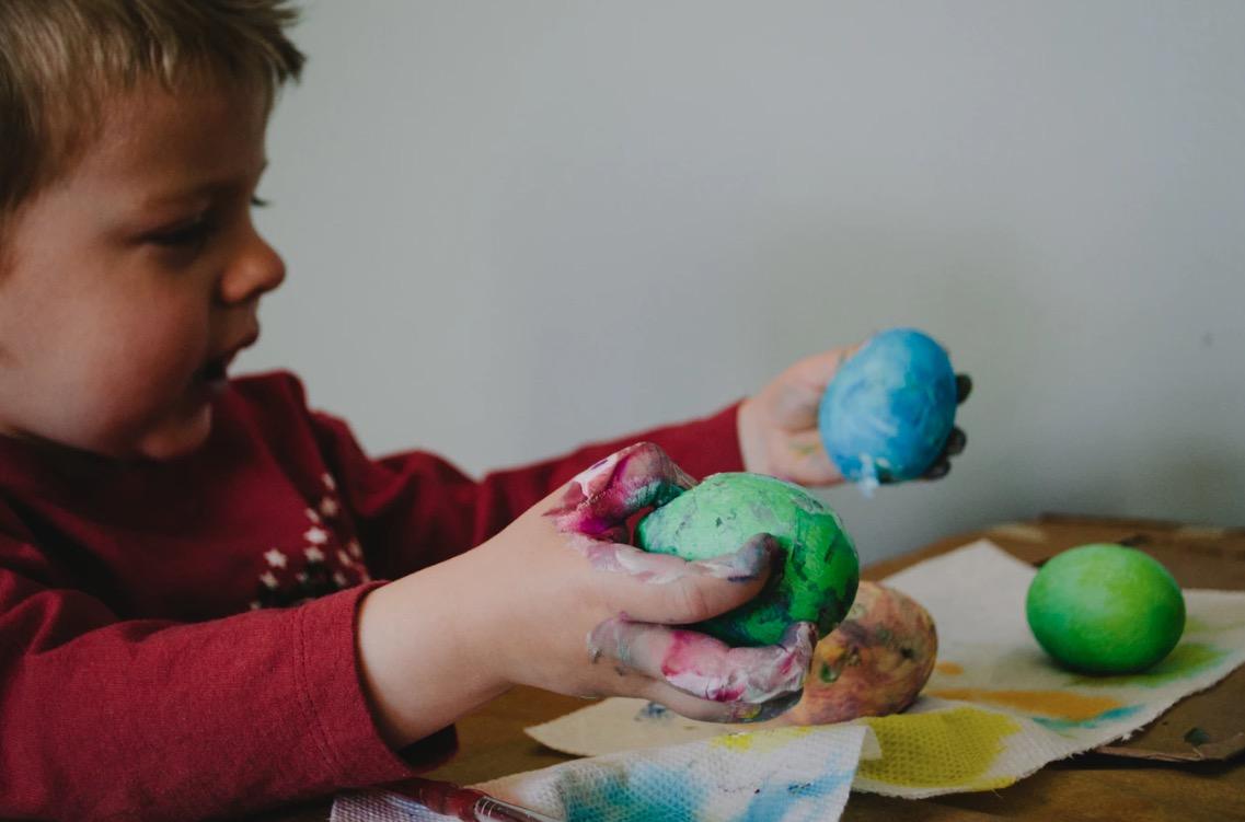 Développer la créativité d'un enfant avec handicap