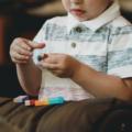 Autisme, coronavirus et confinement : les ressources indispensables