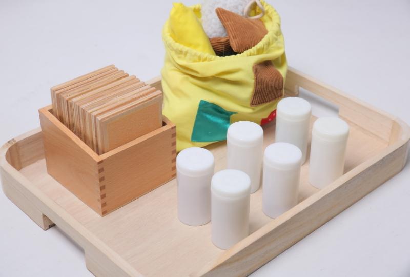 Plateau Montessori : atelier autonome pour les enfants en confinement