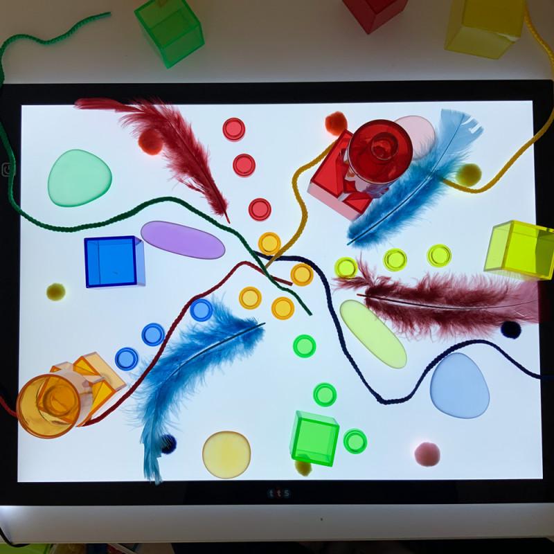 Développer sa créativité avec la table lumineuse