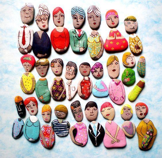 Fête des mères : peindre des galets à son effigie