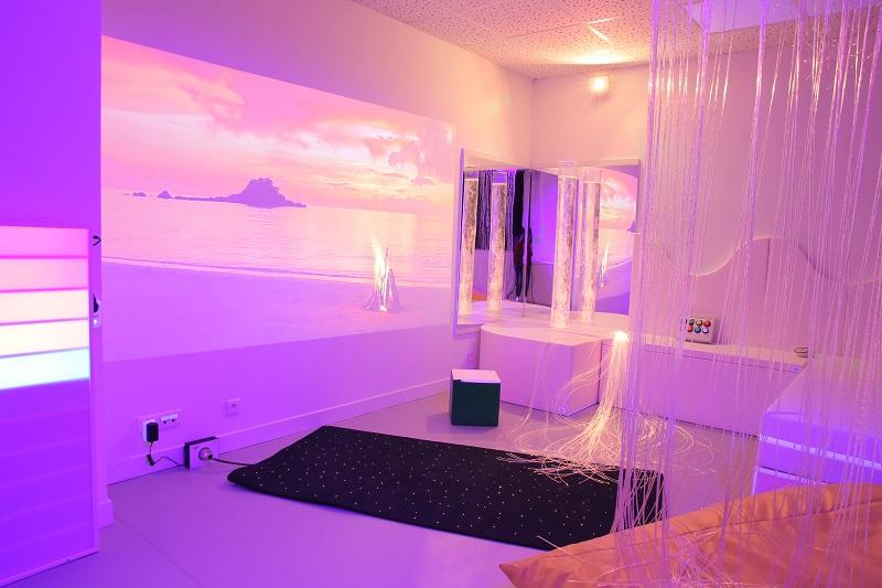 salle sensorielle 5 avec des couleurs chaudes