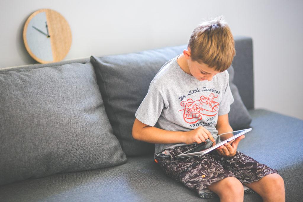 Adolescent et sédentarité : le temps sur les écrans