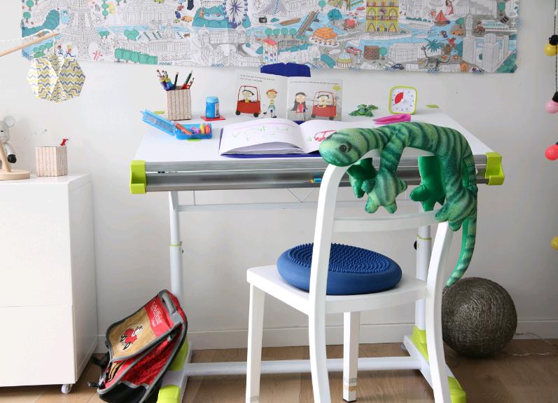 bureau et fournitures scolaires ergonomiques