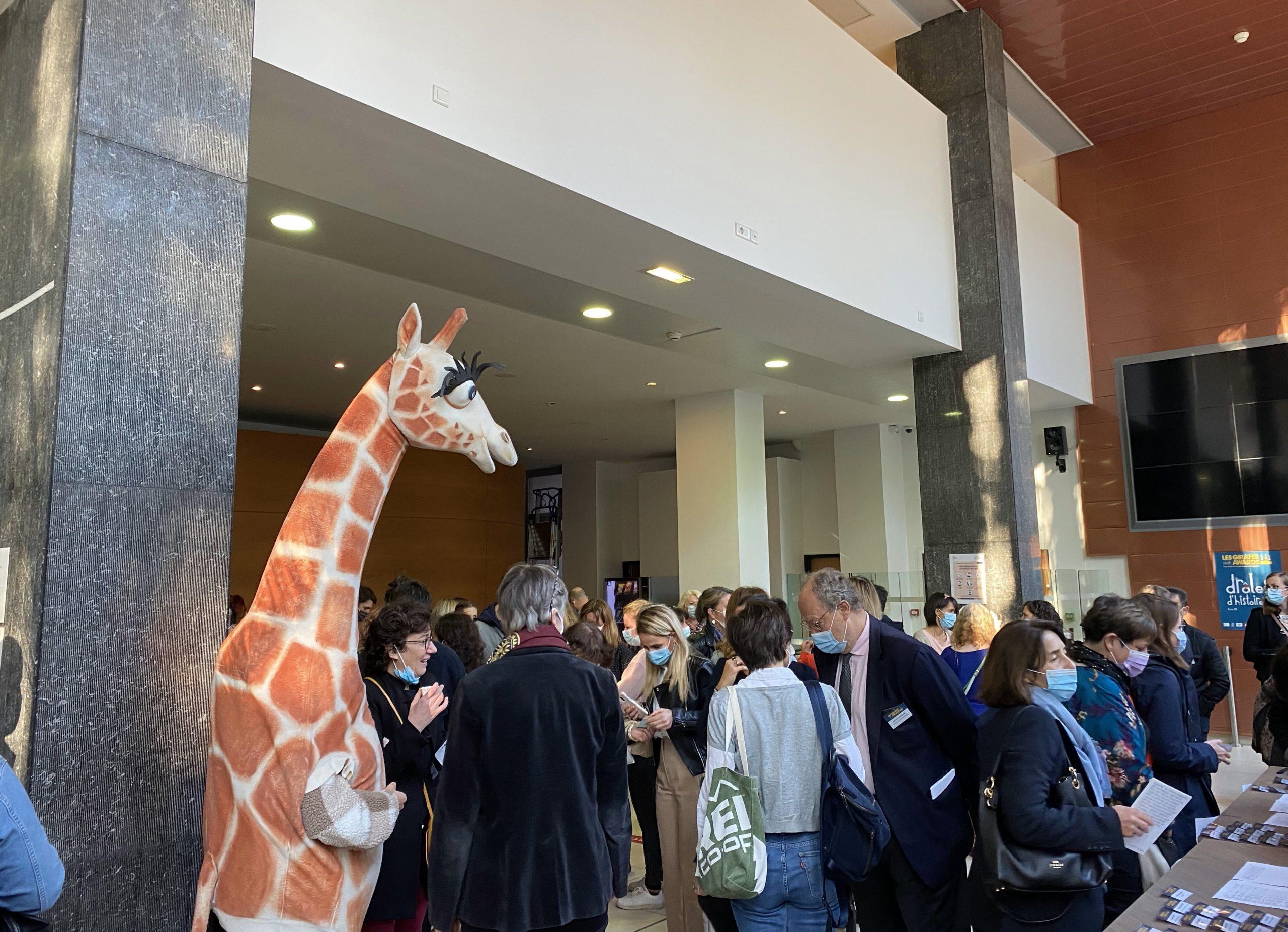 De nombreuses personnes réunies pour la cérémonie des Girafes Awards